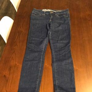 Gap skinny jeans, 28R